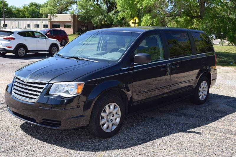 2009 Chrysler Town and Country for sale at Gulf Coast Exotic Auto in Biloxi MS