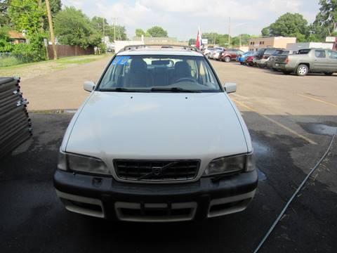 1999 Volvo V70 for sale in Redford, MI