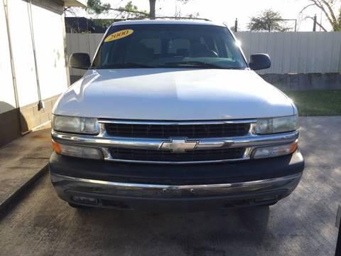 2000 Chevrolet Suburban For Sale