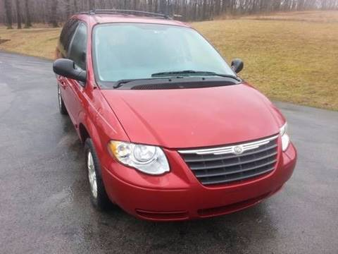 2006 Chrysler Town and Country for sale in Derry, PA