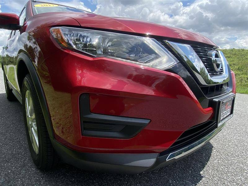 2017 Nissan Rogue SV AWD - Brentwood MD
