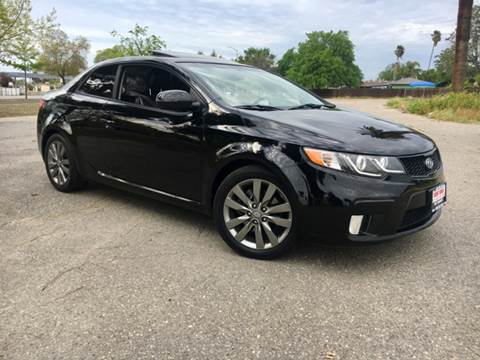 2013 Kia Forte Koup for sale at Credit World Auto Sales in Fresno CA
