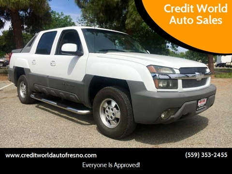 2002 Chevrolet Avalanche for sale at Credit World Auto Sales in Fresno CA