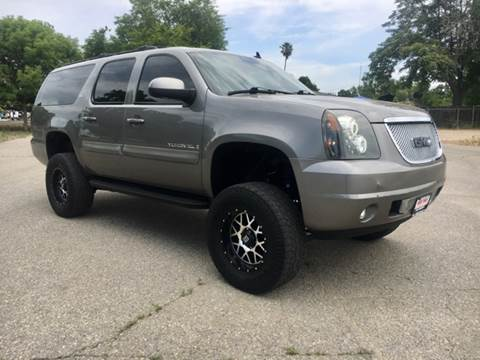2008 GMC Yukon XL for sale at Credit World Auto Sales in Fresno CA