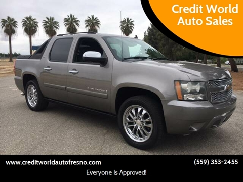 2008 Chevrolet Avalanche for sale at Credit World Auto Sales in Fresno CA