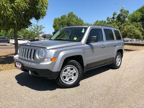2014 Jeep Patriot for sale at Credit World Auto Sales in Fresno CA