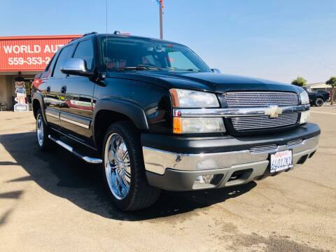 2004 Chevrolet Avalanche for sale at Credit World Auto Sales in Fresno CA