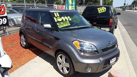 2011 Kia Soul for sale at Credit World Auto Sales in Fresno CA