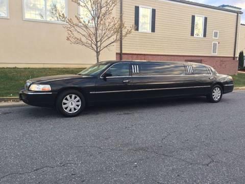 2005 Lincoln Town Car for sale in Richmond, VA