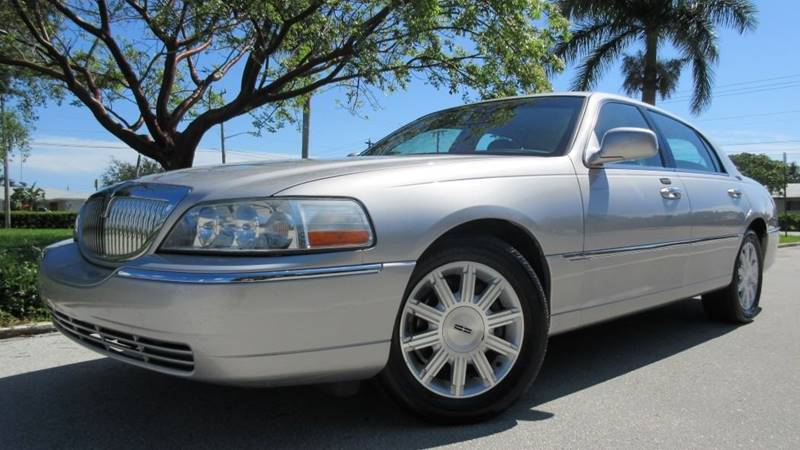 2010 Lincoln Town Car Signature Limited 4dr Sedan In Pompano Beach