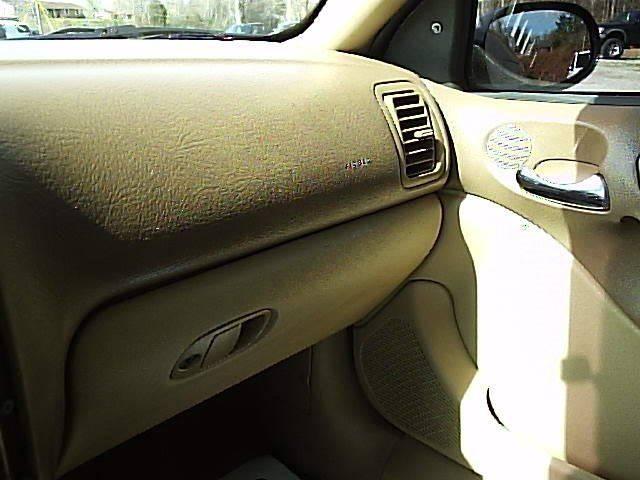 2001 Saturn L-Series L200 4dr Sedan - Gray KY