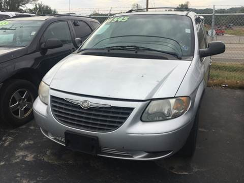 2004 Chrysler Town and Country for sale in Cahokia, IL