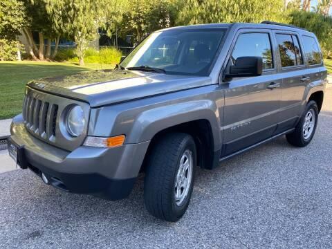 2013 Jeep Patriot for sale at Donada  Group Inc in Arleta CA