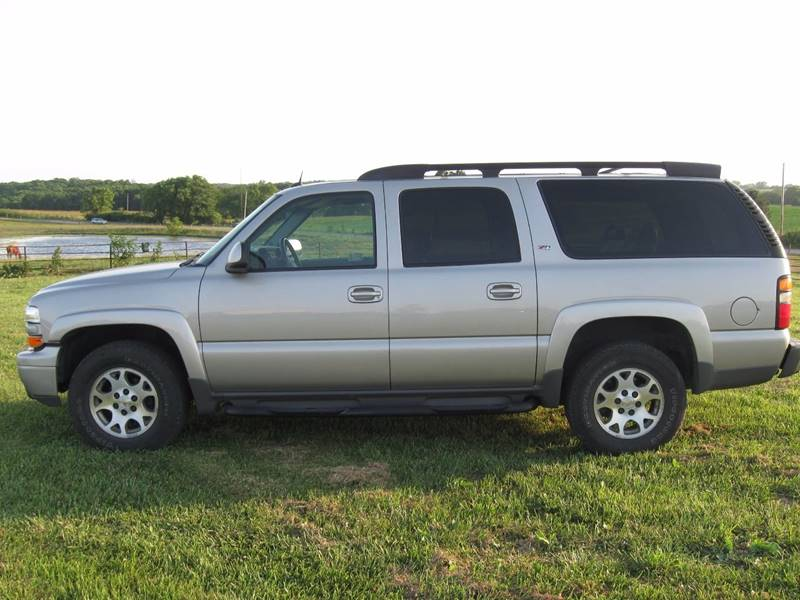 2005 Chevrolet Suburban for sale at The Ranch Auto Sales in Kansas City MO