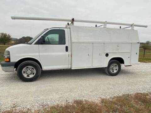 2004 Chevrolet Express Cutaway for sale at The Ranch Auto Sales in Kansas City MO
