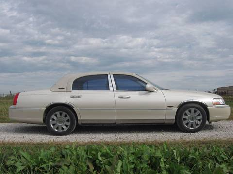 2003 Lincoln Town Car for sale at The Ranch Auto Sales in Kansas City MO