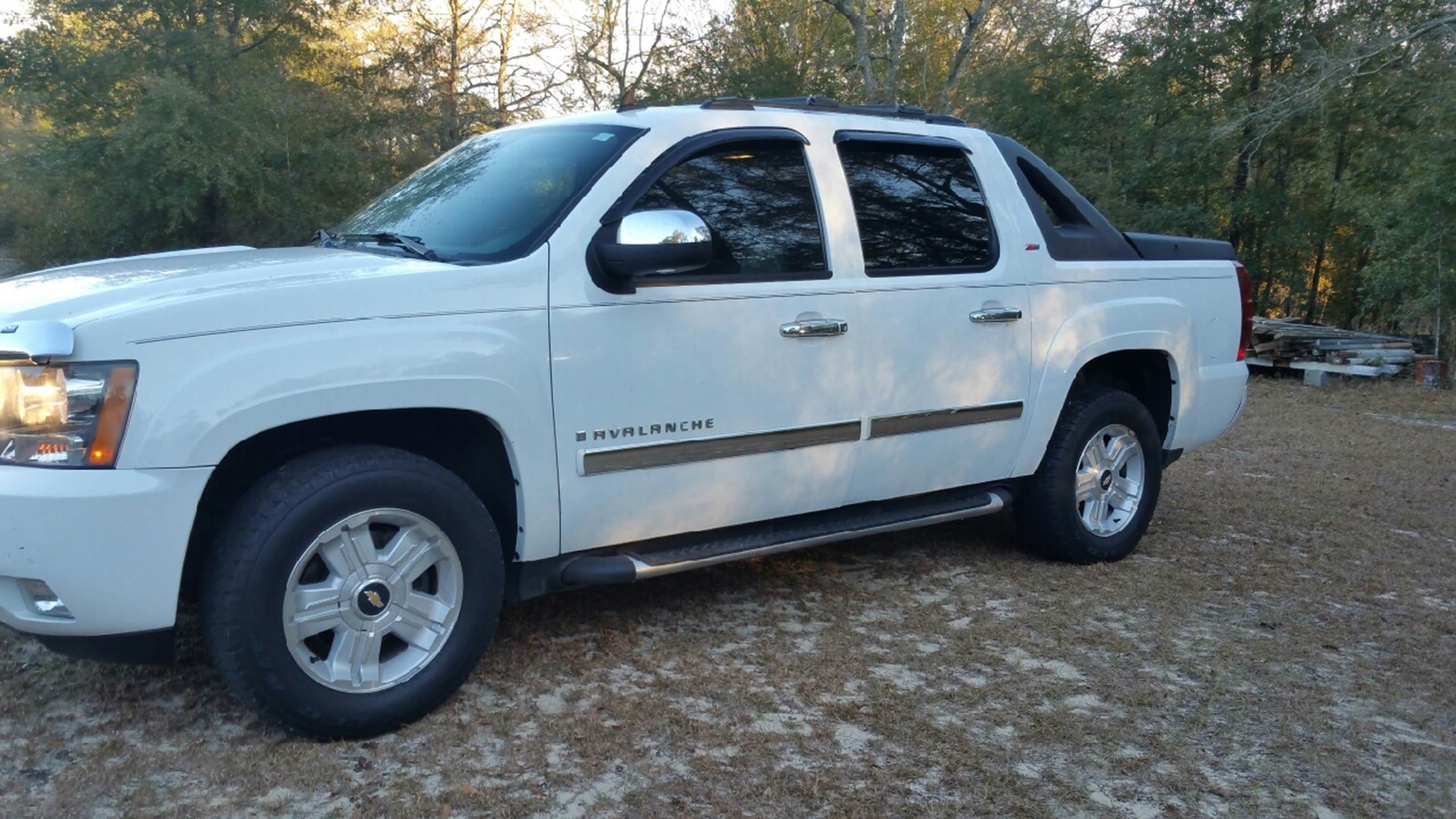 used chevrolet avalanche for sale. Black Bedroom Furniture Sets. Home Design Ideas
