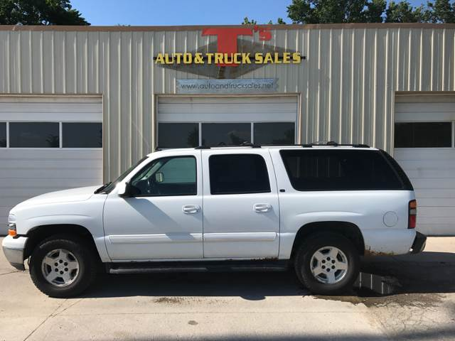 2006 Chevrolet Suburban LT 1500 4dr SUV 4WD - Omaha NE