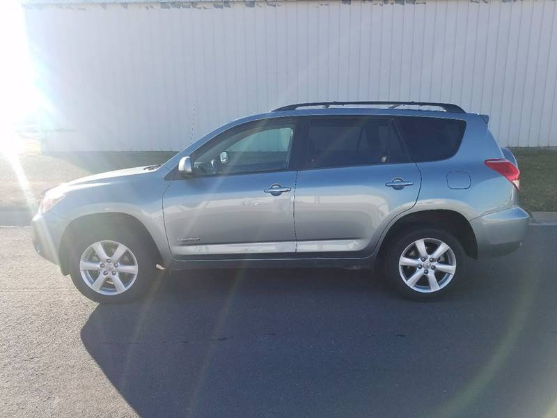 2007 Toyota RAV4 for sale at TNK Autos in Inman KS
