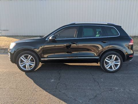 2014 Volkswagen Touareg for sale at TNK Autos in Inman KS