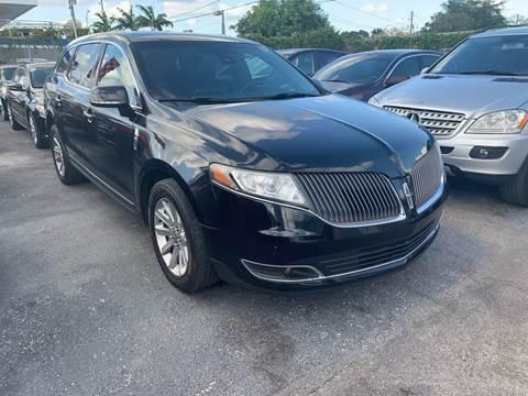 2013 Lincoln MKT Town Car for sale in Miami, FL