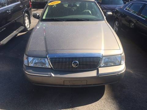 2005 Mercury Grand Marquis for sale in Chicago, IL