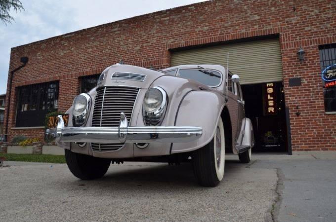 1937 Chrysler Imperial 4