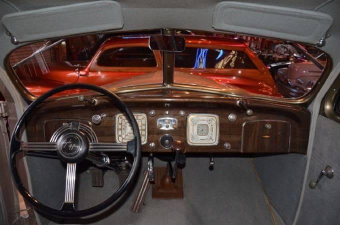 1937 Chrysler Imperial 5
