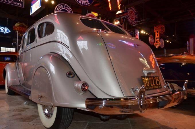 1937 Chrysler Imperial 6