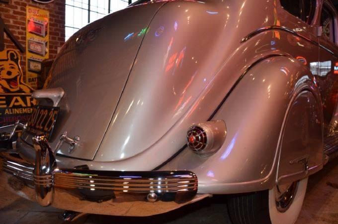 1937 Chrysler Imperial 7