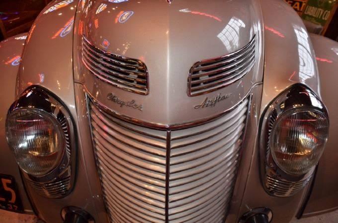 1937 Chrysler Imperial 8