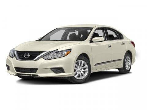 2016 Nissan Altima for sale at DAVID McDAVID HONDA OF IRVING in Irving TX