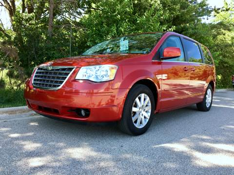 2008 Chrysler Town and Country for sale in Flint, MI