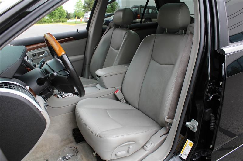 2007 Cadillac SRX for sale at Quality Auto in Sterling VA