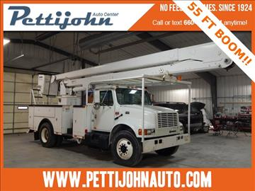 2001 International 4700 T444E for sale in Bethany, MO