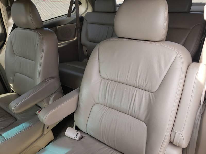 2003 Honda Odyssey EX-L w/DVD (image 11)