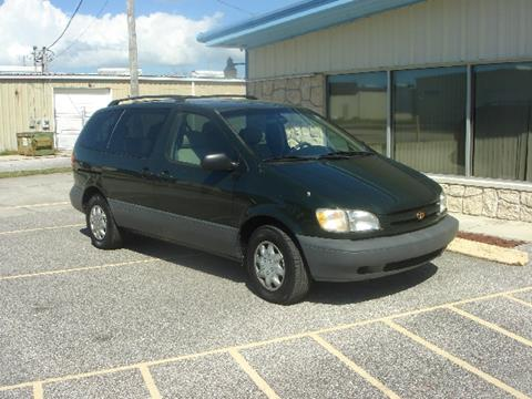 2a3e297098 Used 2000 Toyota Sienna For Sale in Fredonia