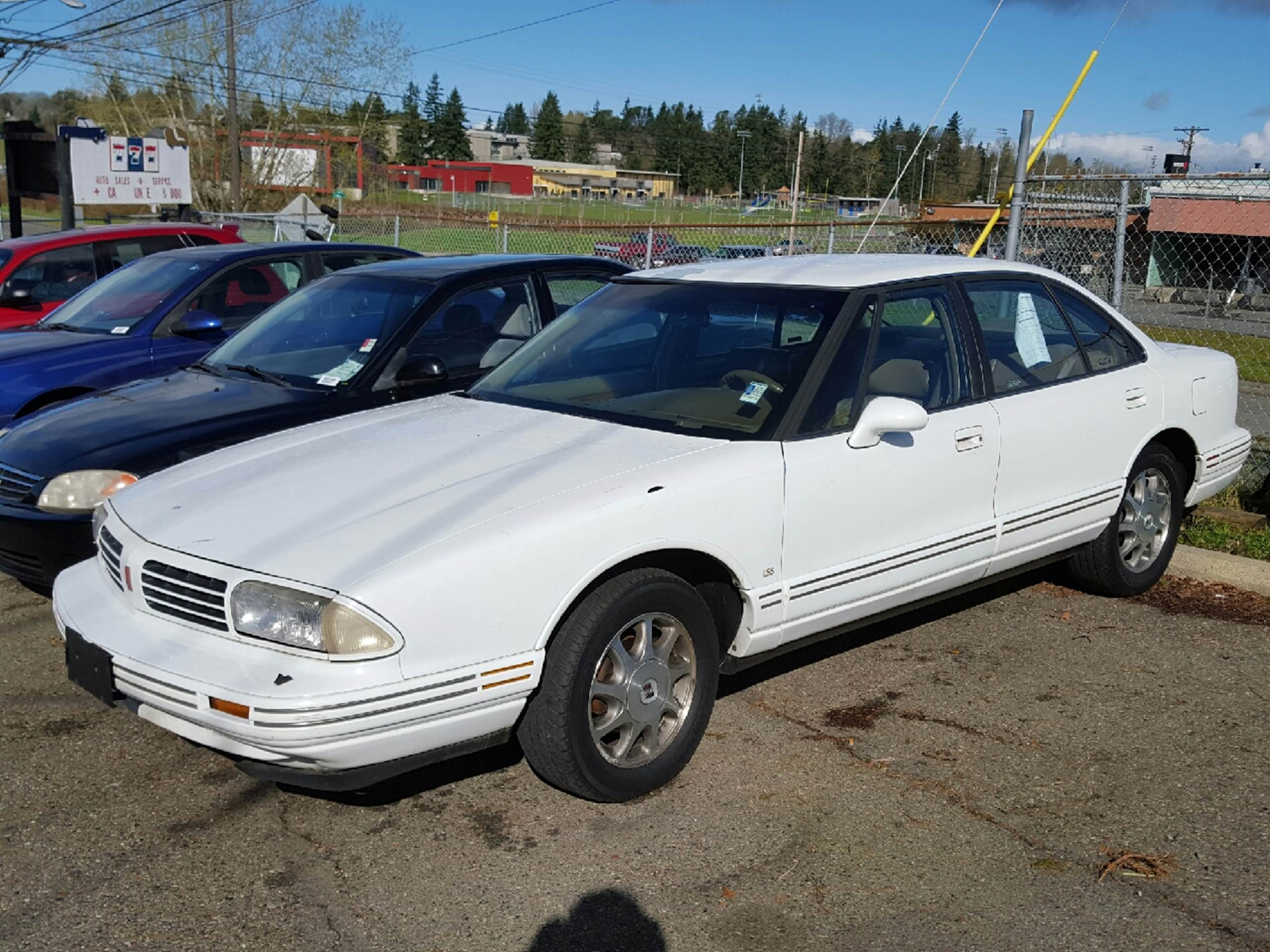 1995 Oldsmobile Eighty-Eight Royale for sale in Tacoma, WA