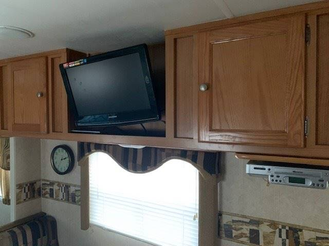 2004 Ford Motorhome Chassis (image 6)