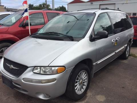 2000 Chrysler Town and Country for sale in Sioux Falls, SD