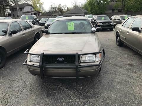 2008 Ford Crown Victoria for sale in Farmington Hills, MI
