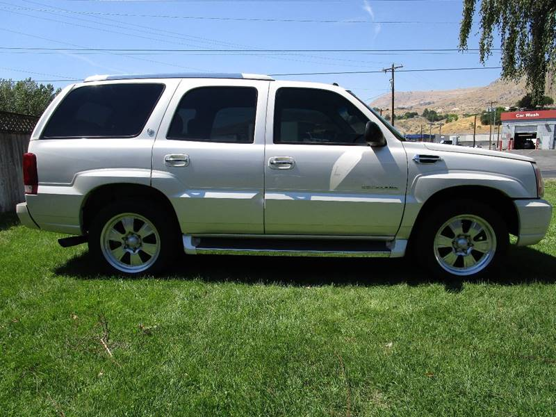 2005 Cadillac Escalade for sale at Impact Auto Sales in Brewster WA