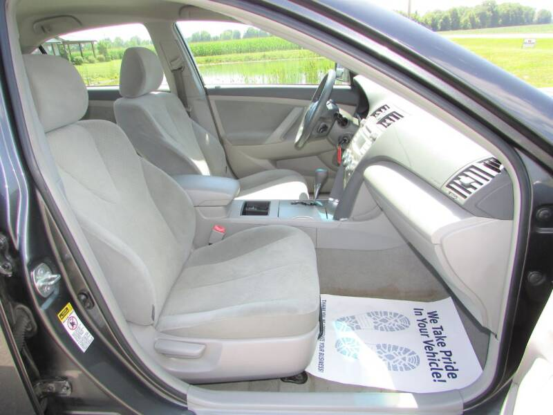 2009 Toyota Camry LE 4dr Sedan 5A - Delaware OH