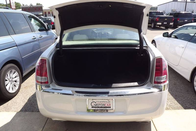 2011 Chrysler 300 Limited 4dr Sedan - Grand Rapids MI