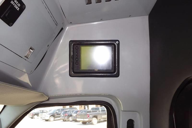 2004 Ford E450 SUPER DUTY KRYSTAL KOACH ENTERTAINMENT BUS - Grand Rapids MI