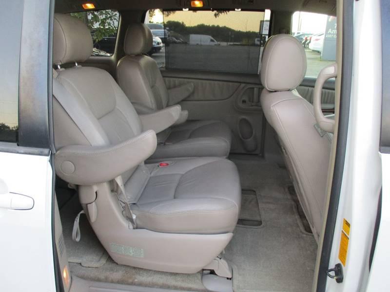 2005 Toyota Sienna AWD XLE Limited 7-Passenger 4dr Mini-Van - Marietta GA