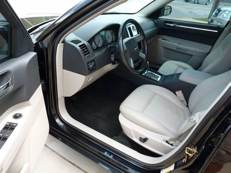 2006 Chrysler 300 AWD Touring 4dr Sedan - Grand Rapids MI
