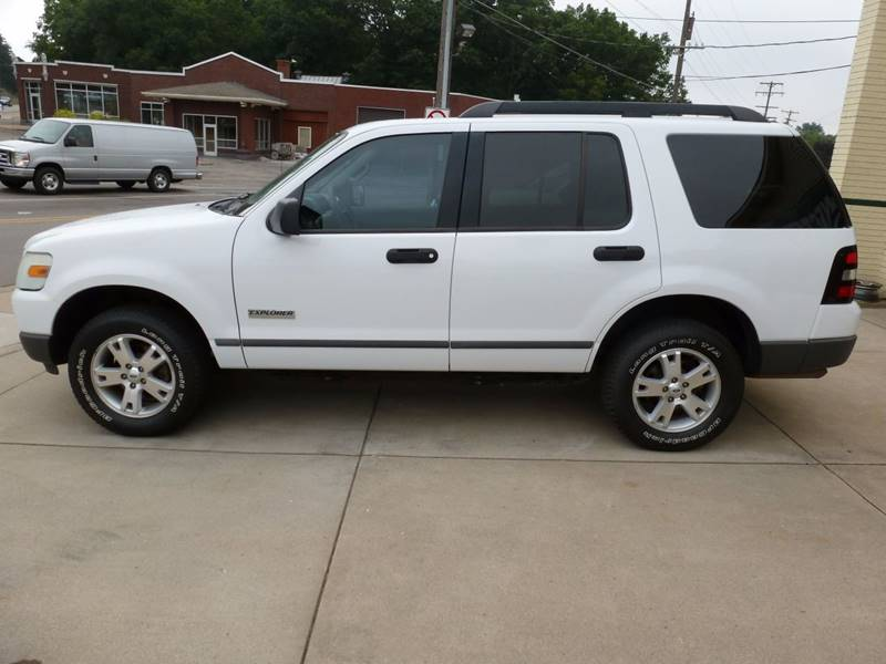 2006 Ford Explorer XLS 4dr SUV 4WD - Grand Rapids MI