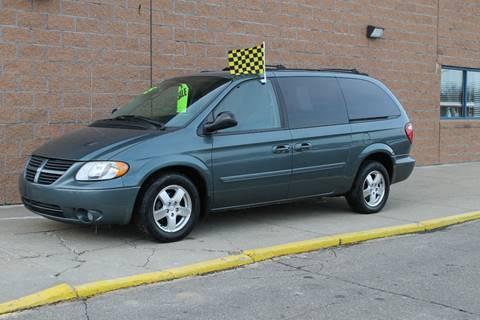 2005 Dodge Grand Caravan for sale at Markham Motors in Perry MI