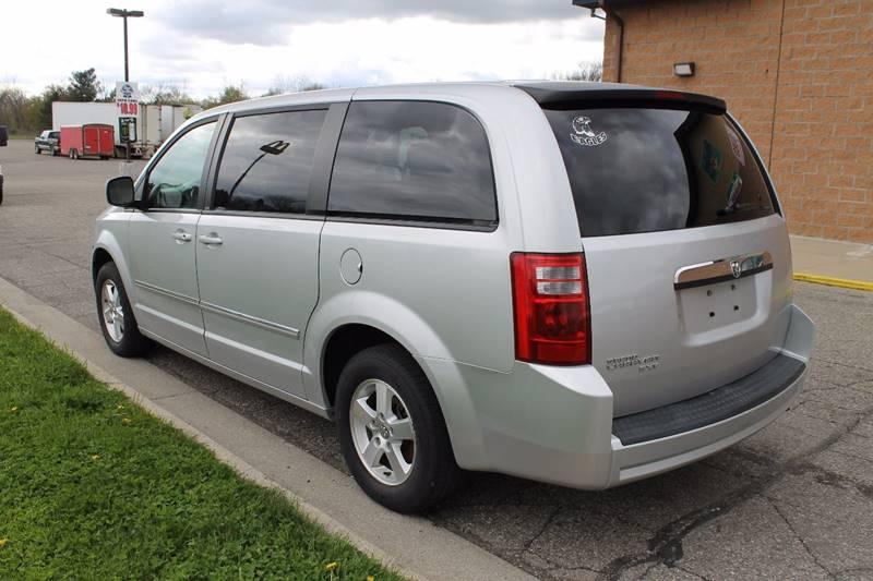 2008 Dodge Grand Caravan for sale at Markham Motors in Perry MI